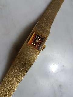 1940's Rotary Women Manual Wind Watch in Beautiful Gold Bracelet.