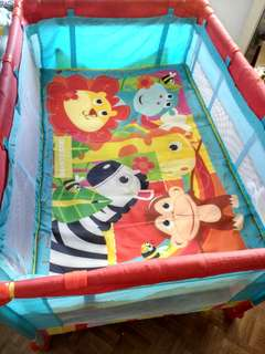 Giant Carrier Baby Animals Removable Bassinet and Playpen