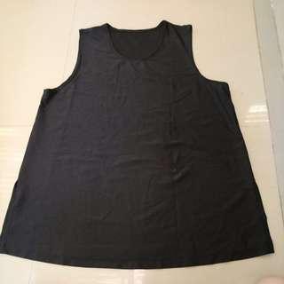 Loose sleeveless