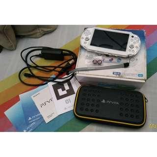 PS Vita slim (3.60 Henkaku Enso) - GOOD AS NEW/Rarely Use