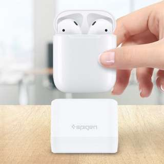 AirPods Stand, Spigen [Patent Pending] [Sleek & Minimal] Compact Airpods Stand Charging Case Dock Charger Holder for Airpods Compatible only with Authentic Original Cable - S313 White (000CD21203)