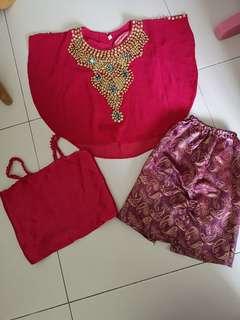 Pink kaftan
