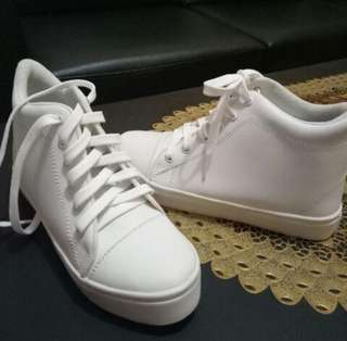 Sneakers wedges putih