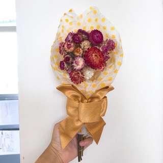 麥桿菊花束
