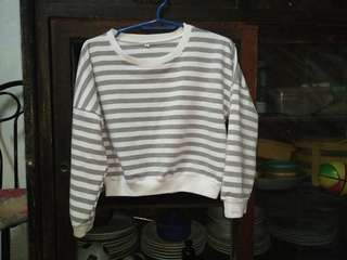REPRICED Crop pull over sweater