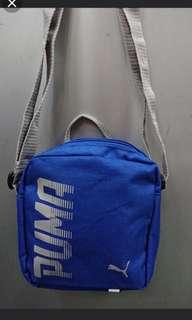 🚚 PUMA小側背包