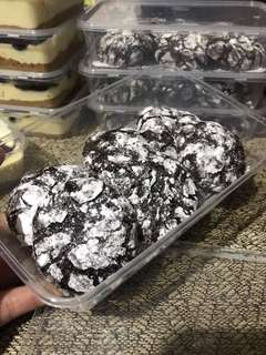 Chewy chocolate crinkles
