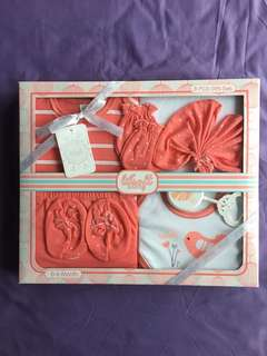 Lilsoft baby gift set