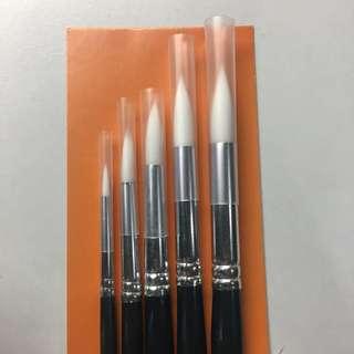 White Nylon Brushes - set of 5