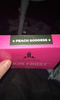 Jeffree Star highlighter in peach goddess