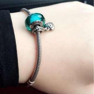 Original Pandora bracelet with 2 charms 3k nalang!