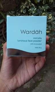 Wardah luminous face powder