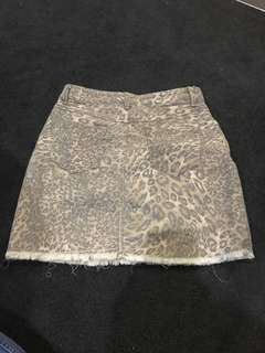 Ladies Leopard print skirt