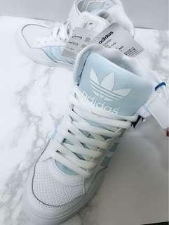 🚚 Adidas s75789高筒百搭球鞋