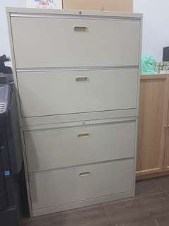 Metal cabinet 90 cm with Lock