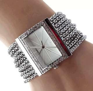 Women aloy chain Quartz watch (silver)