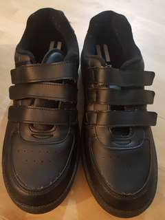 Youth School Shoes, Black *In Brand New Condition!*