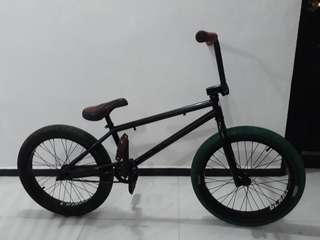 Selling custom bmx (Can Nego)