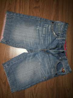 Short jeans