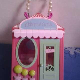 Doll salon (repriced)