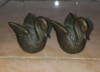 Antique brass mini swan figurines 2