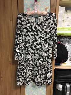 Foever 21 花花七分袖洋裝。L號