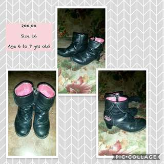 Preloved school shoes