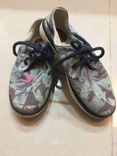 Zara休閒鞋