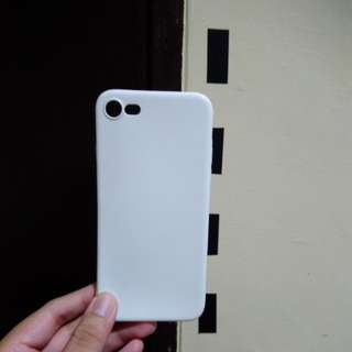 iPhone 7 white rubber case