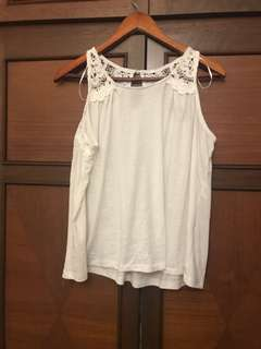 ANNE KLEIN White TOP with lace