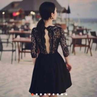 🚚 露背蕾絲洋裝👗