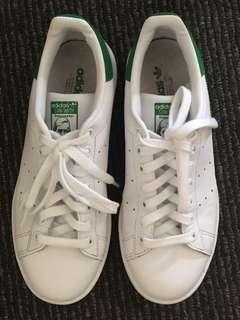 Adidas Stan Smith (Women's size 7)