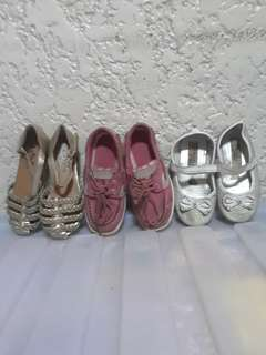 Kids shoes as pack