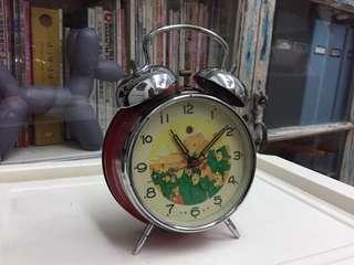 China vintage table clock