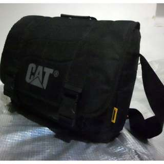 Caterpillar CAT Corey Messenger Bag (black)