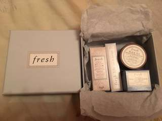 Fresh gift set - creme ancienne infusion, fresh life perfume parfum, black tea firming overnight mask, lotus youth preserve face cream)