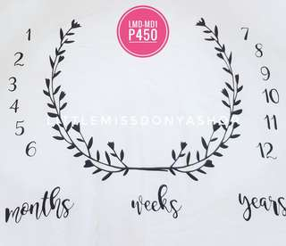 Milestone blanket month by month photo idea