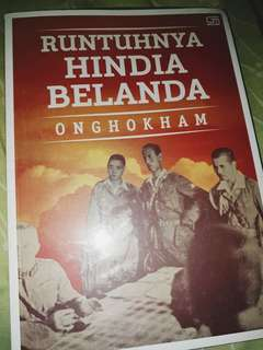 Buku runtuhnya hindia belanda