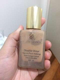 Estée Lauder double wear foundation SPF15+
