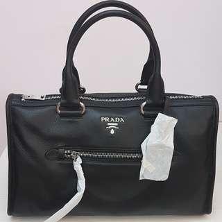 Prada全新牛皮手提大包波士頓包圓筒包手拿包側背包附背帶