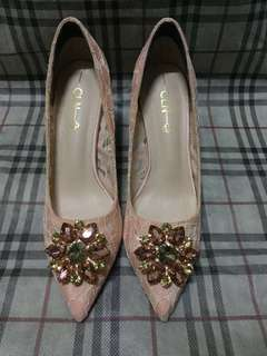 Orig CLN heels with satin silk and lace touches