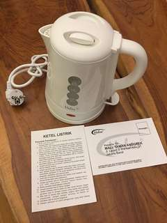 Kettle Listrik Air 1 Liter