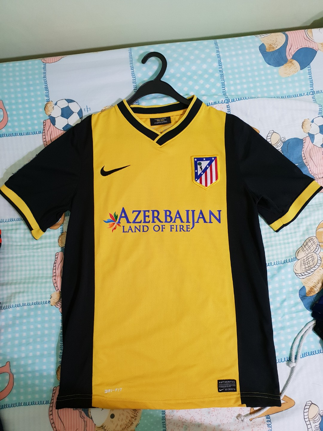 Atletico Madrid 2013 14 Away Kit Size S Sports Sports Apparel On Carousell