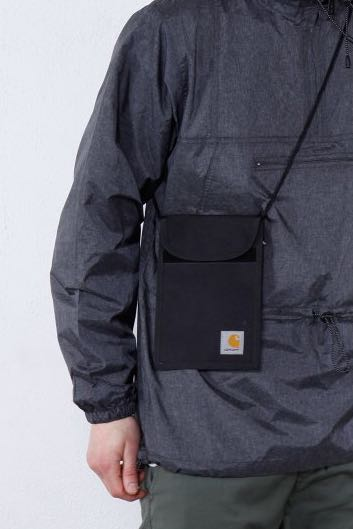 63939ef68c Carhartt WIP Collins Neck Pouch Black, Men's Fashion, Bags & Wallets on  Carousell