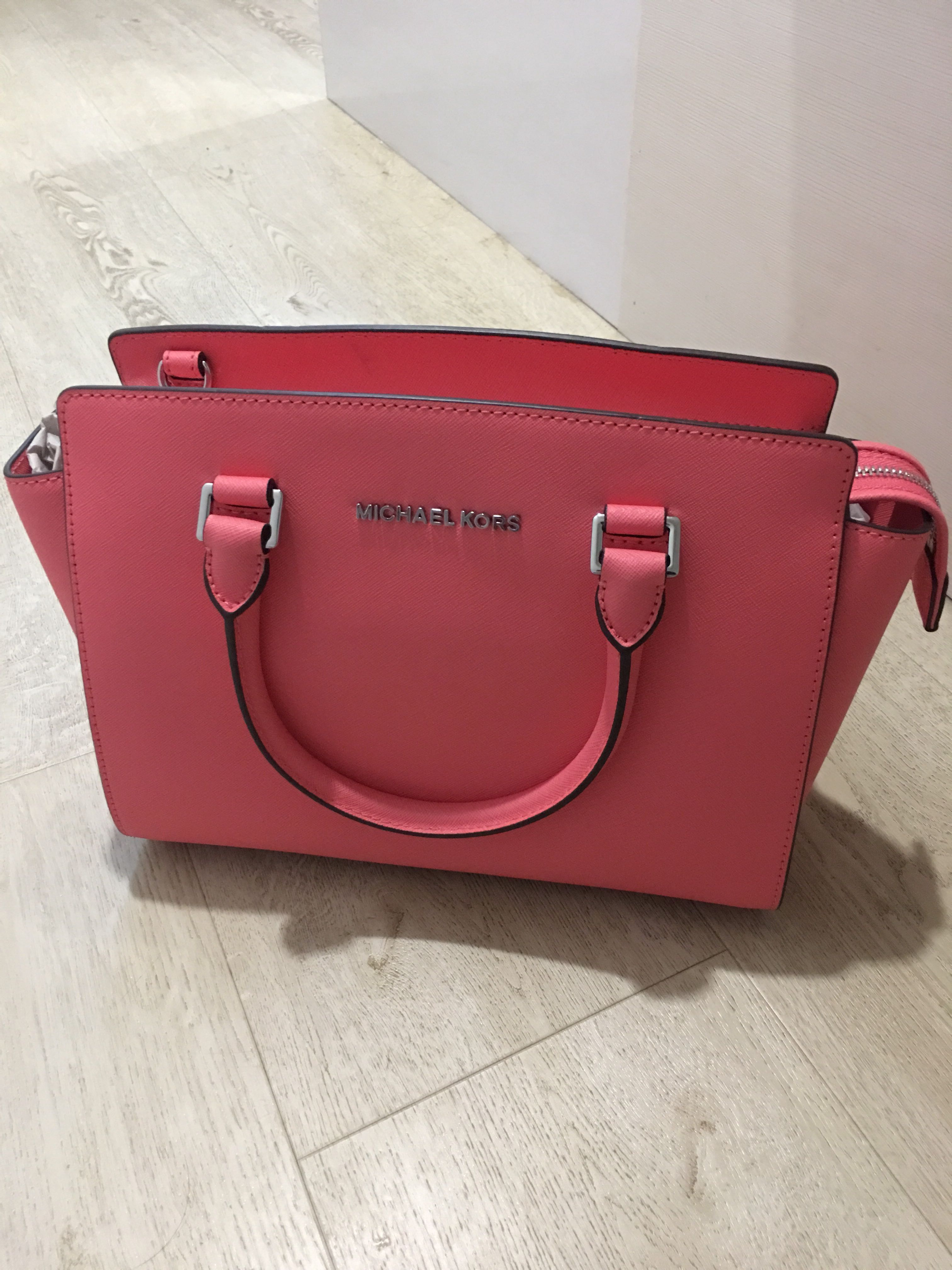 981dbe50716a ... greece price reduced michael kors selma coral luxury bags wallets on  b18cf f7d40