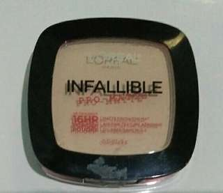 L'oreal Infallible Pro-Matte Powder shade Nude Beige (300)