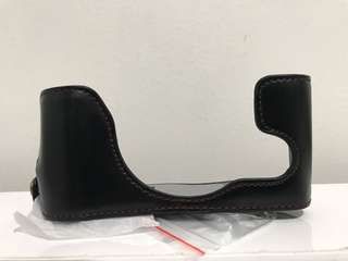 Half leather case (black) for FUJIFILM X30