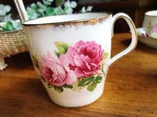 🚚 英國Royal Albert American Beauty系列粉紅玫瑰系列骨瓷暈染黃金飾邊馬克杯