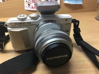 Olympus E-PL7/EPL7 (附兩顆鏡頭 14-42mm、40-200mm)微單眼