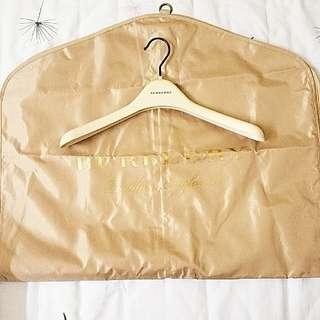 Burberry Gold Garment bag with hanger set 塵袋衣架